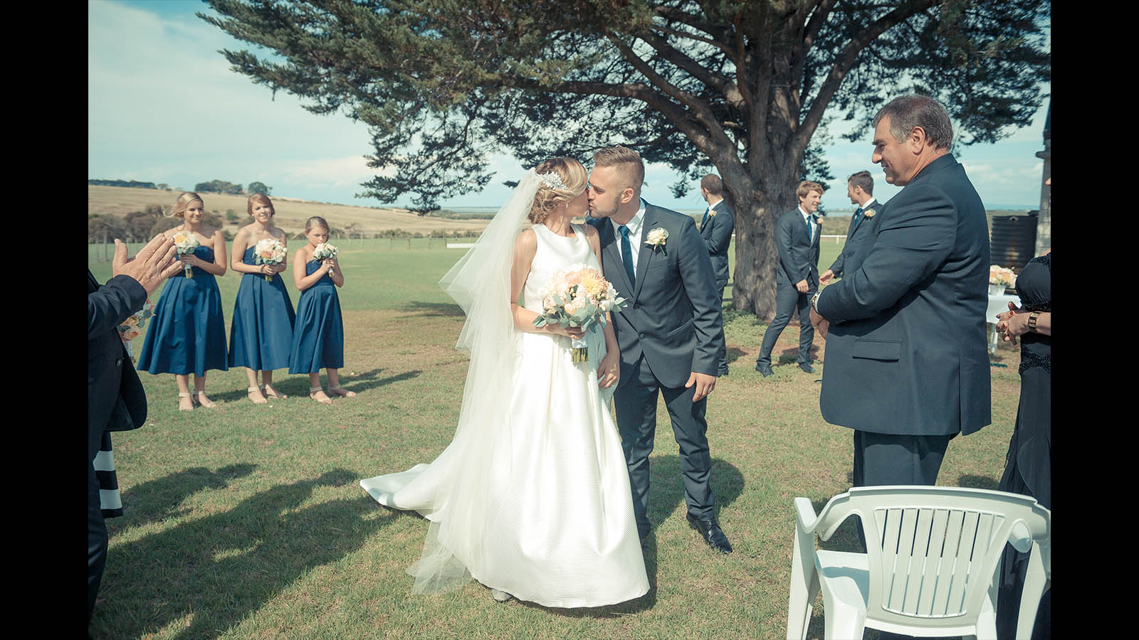 Geelong Wedding First Kiss