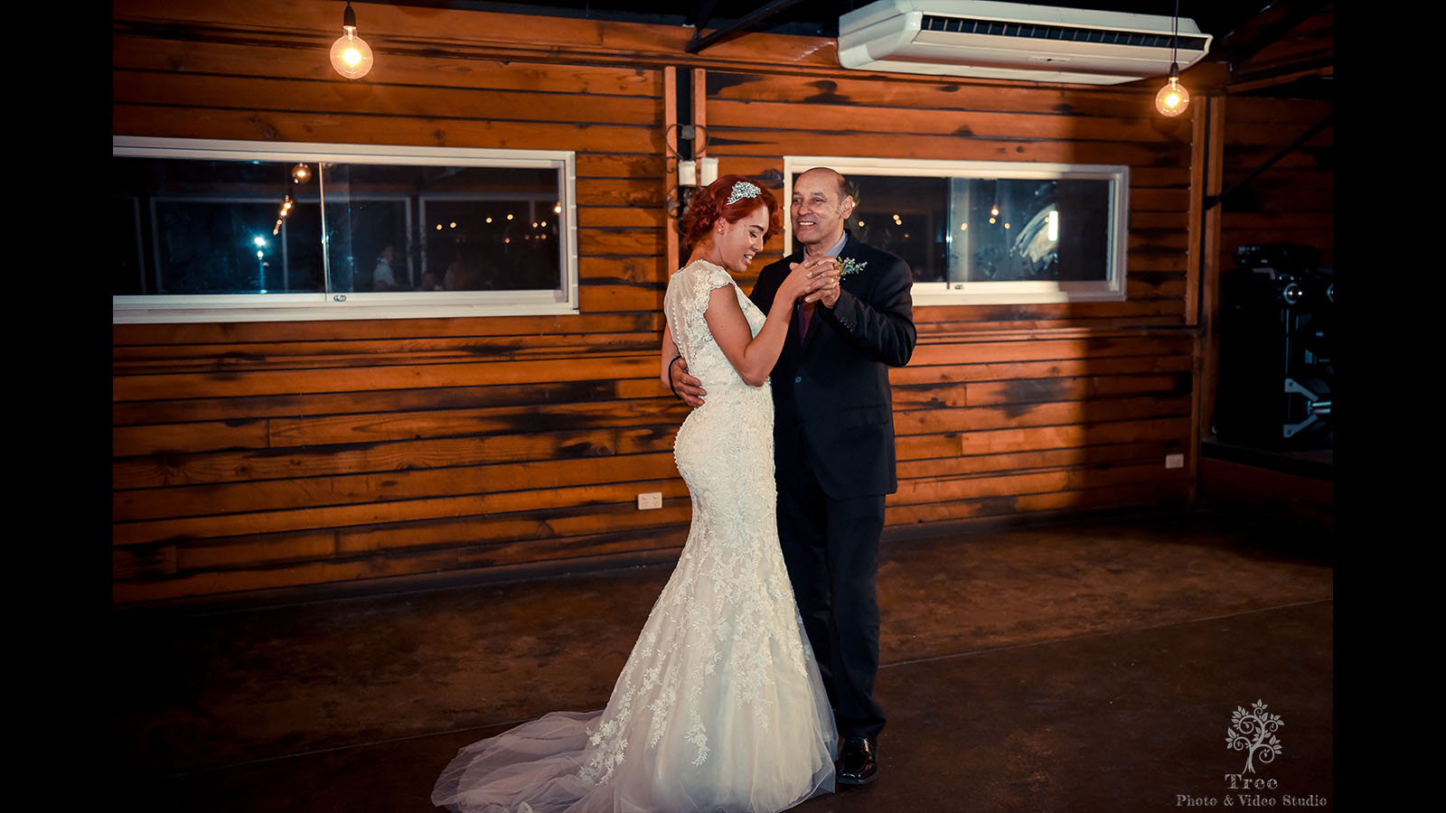 Zonzo Wedding Dancing 4