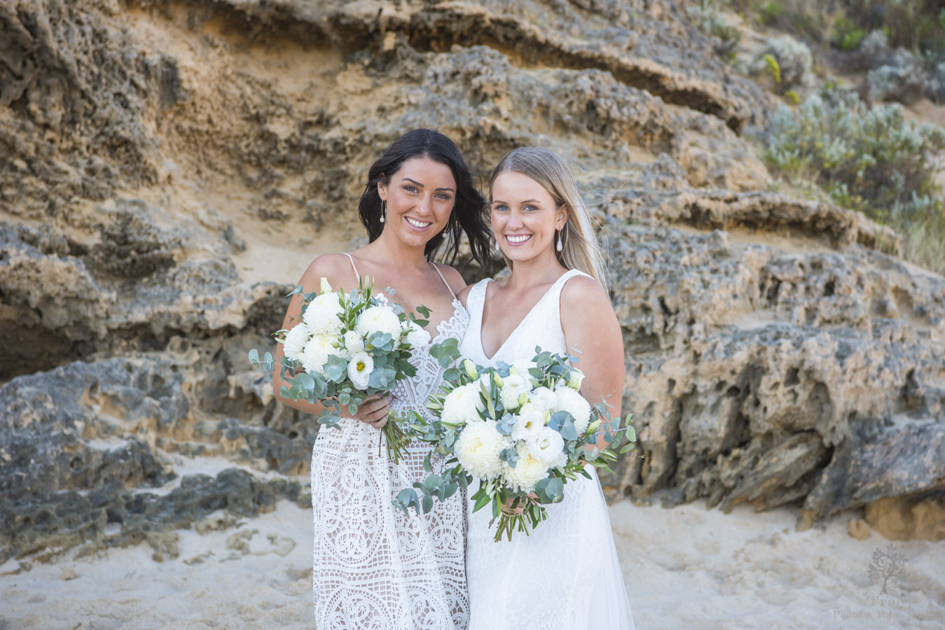 Sorrento bride and bridesmaid
