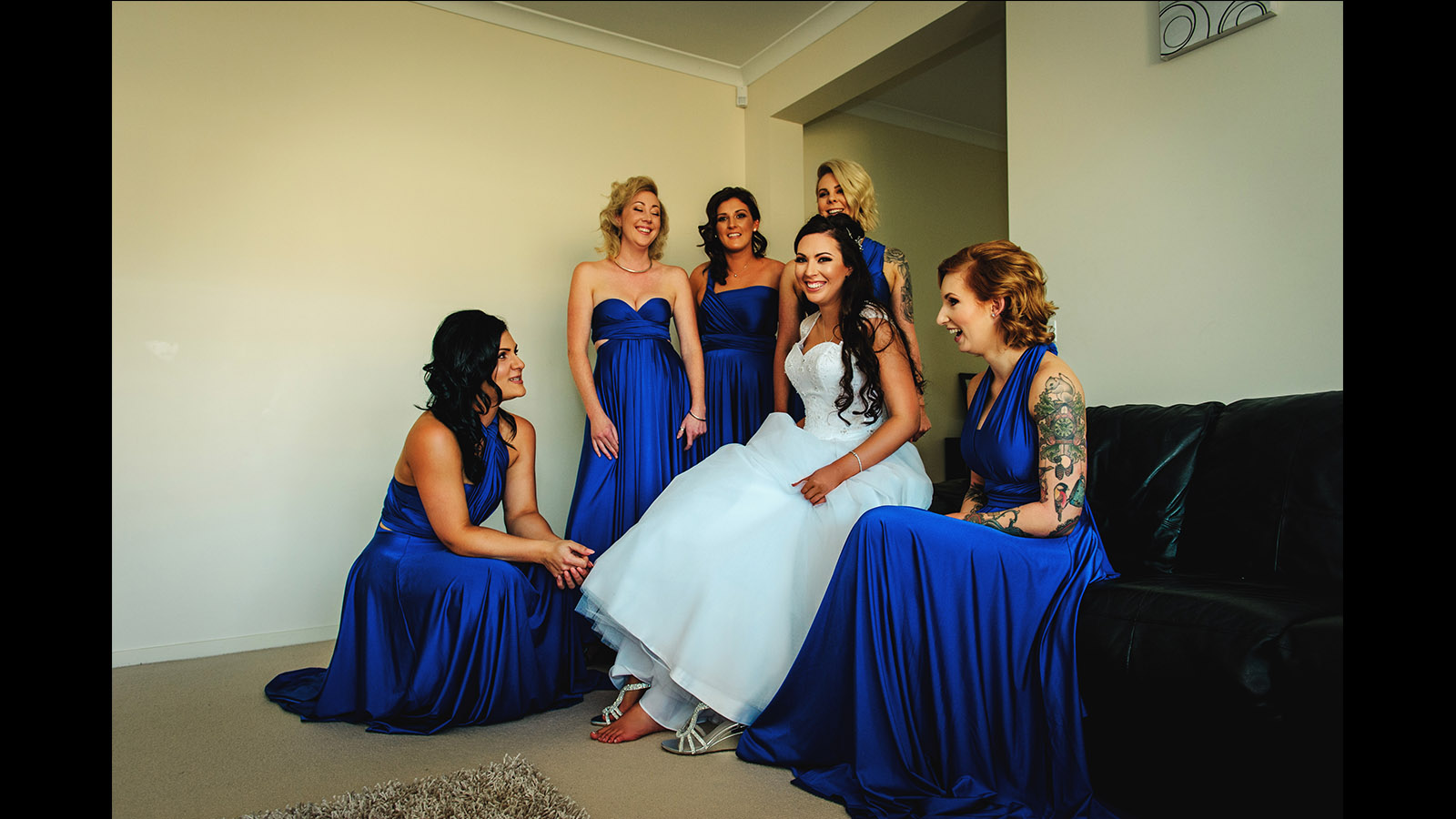 Melbourne wedding bride and bridesmaid get dress on