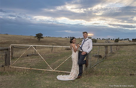 warrawong woolshed real wedding