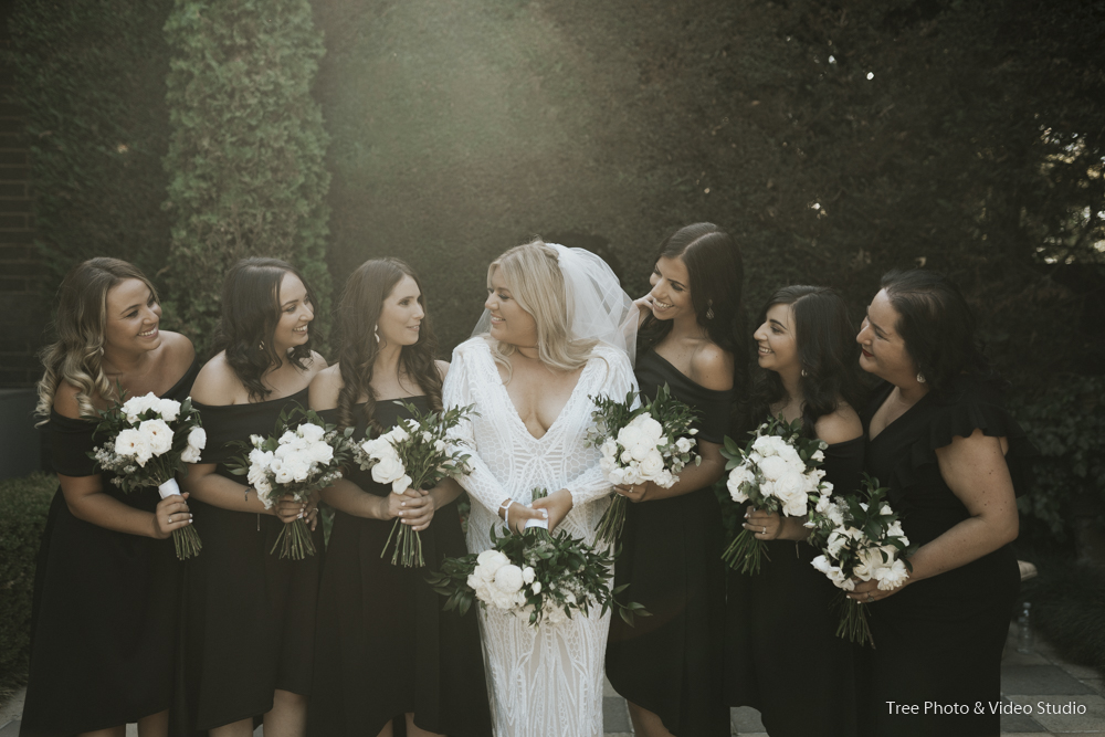 Wedding Portrait with bride and bridesmaids