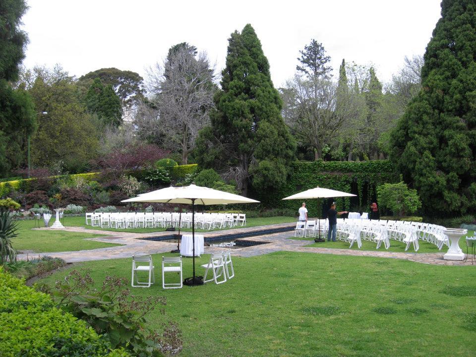 Melbourne Wedding Ceremony Locations The Pioneer Women's Memorial Garden